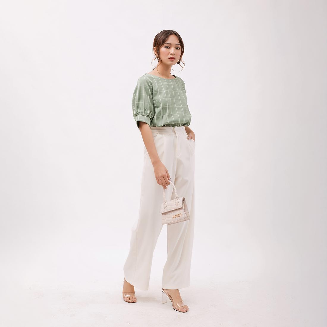 Áo Kiểu Thời Trang Eden Caro Phom Rộng Tay Ngắn Phối Nút - ASM063 - Màu Xanh