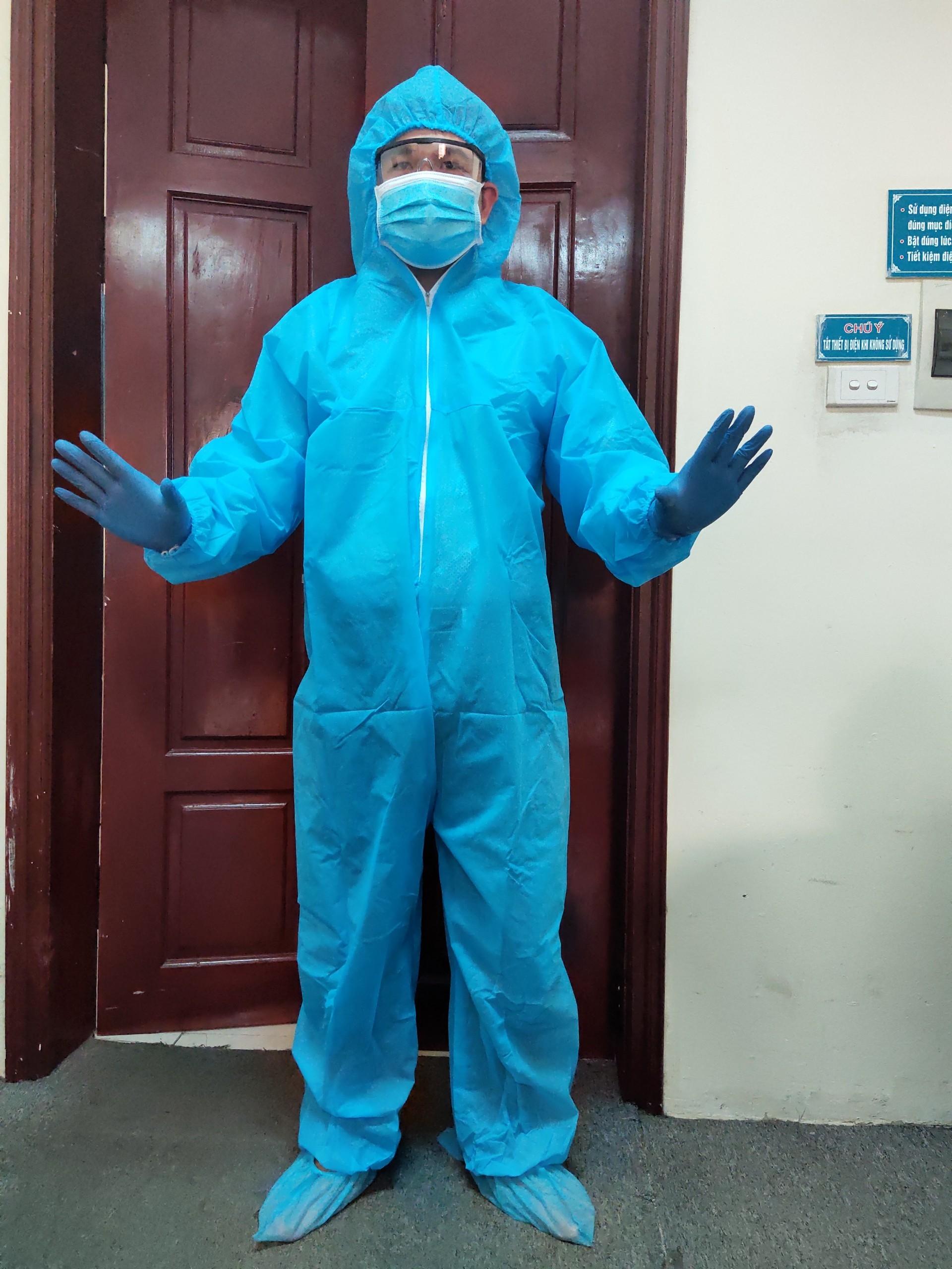 Bộ bảo hộ y tế màu xanh