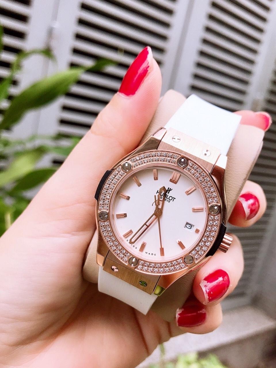 Đồng hồ thời trang Hublot  nữ - Bản Trắng