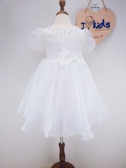930199-ZM2- Váy công chúa, voan mỹ, tay lỡ, đính nơ ngọc, trắng,size bé 1-6.sản phẩm lụa dễ nhận biết bởi đặc tính vải nhẹ, mềm mại, thanh lịch được gọi là vải trong suốt.