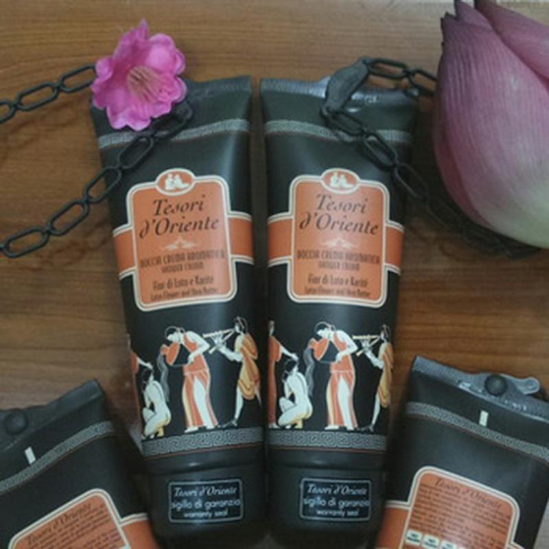 Sữa tắm hoa sen Tesori D' Oriente Lotus Flower 250ml