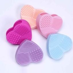 Miếng rửa cọ silicon cao cấp hình trái tim ( màu ngẫu nhiên)