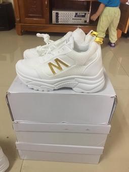 Giày độn đế nữ chữ M