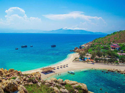 Tour đảo Yến Hòn Nội - Đón khách tại Nha Trang