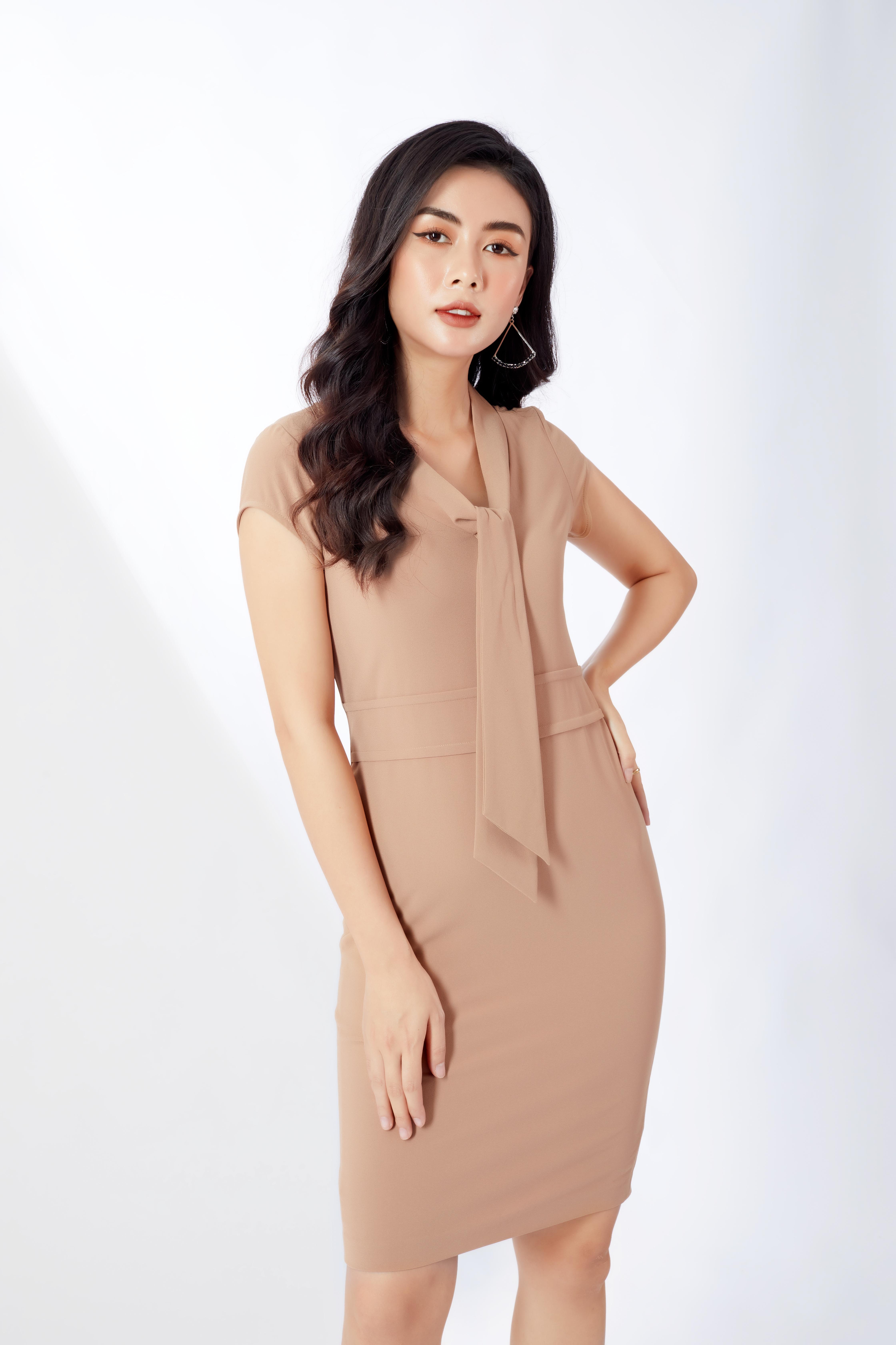 Đầm liền nữ HeraDG SDC18099 màu be