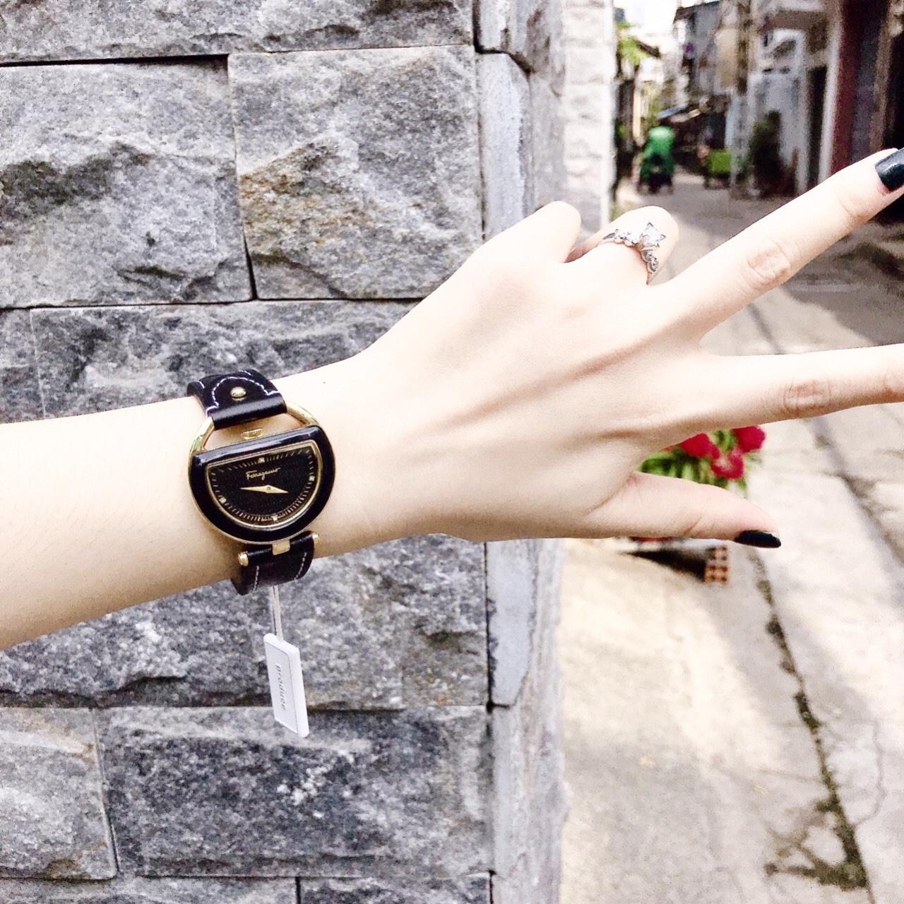 Đồng hồ Salvatore Ferragamo nữ - dây đen