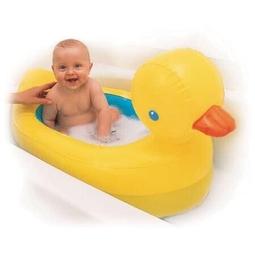Bể bơi hình vịt