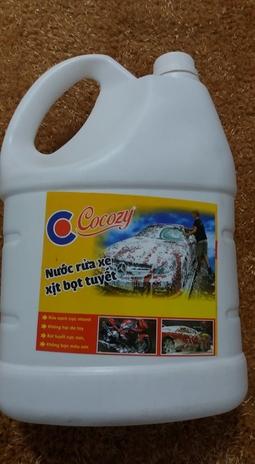 Nước rửa xe xịt bọt tuyết Cocozy