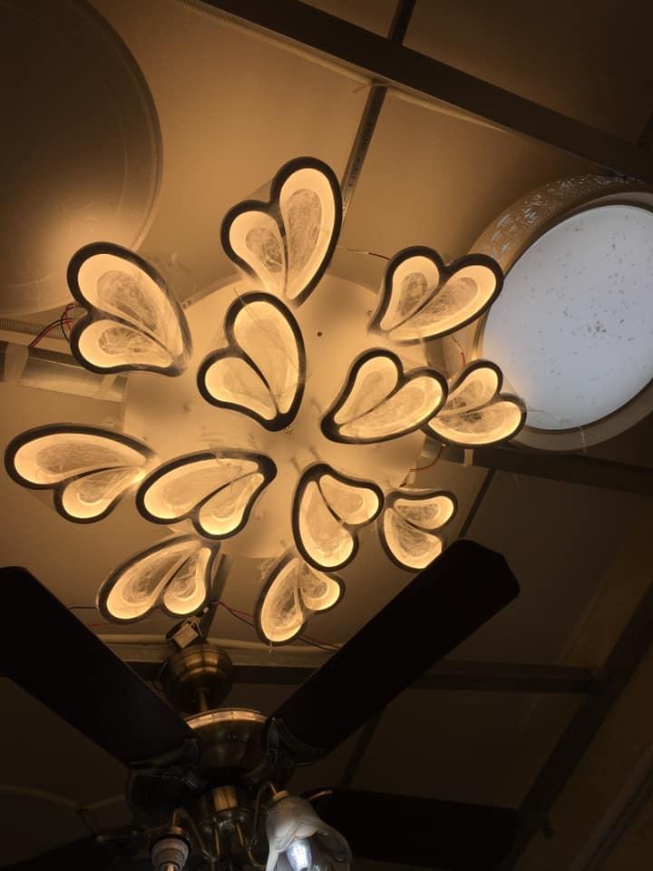 Đèn Mâm Led Ốp Trần Hiện Đại Trang Trí Phòng Khách- 12 Cánh Bướm Cách Điệu 2 tầng 3 Chế Độ Màu Kèm Điều Khiển Từ Xa- Đèn Trần, Đèn Khách Sạn, Phòng Hội Nghị- Lắp Đặt Đơn Giản, Dễ Sử Dụng