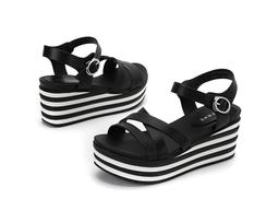 Giày sandal xuồng chính hãng Daphne