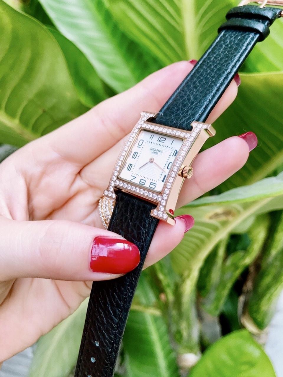 Đồng hồ thời trang Hermes - Dây Đen