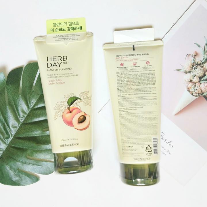 Sữa rửa mặt Herb Day 365 Master Blending Đào & Quả Sung Hàn Quốc 170ml