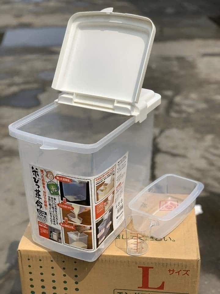 Thùng gạo 10kg nắp bật có bánh xe hàng nhập từ Nhật