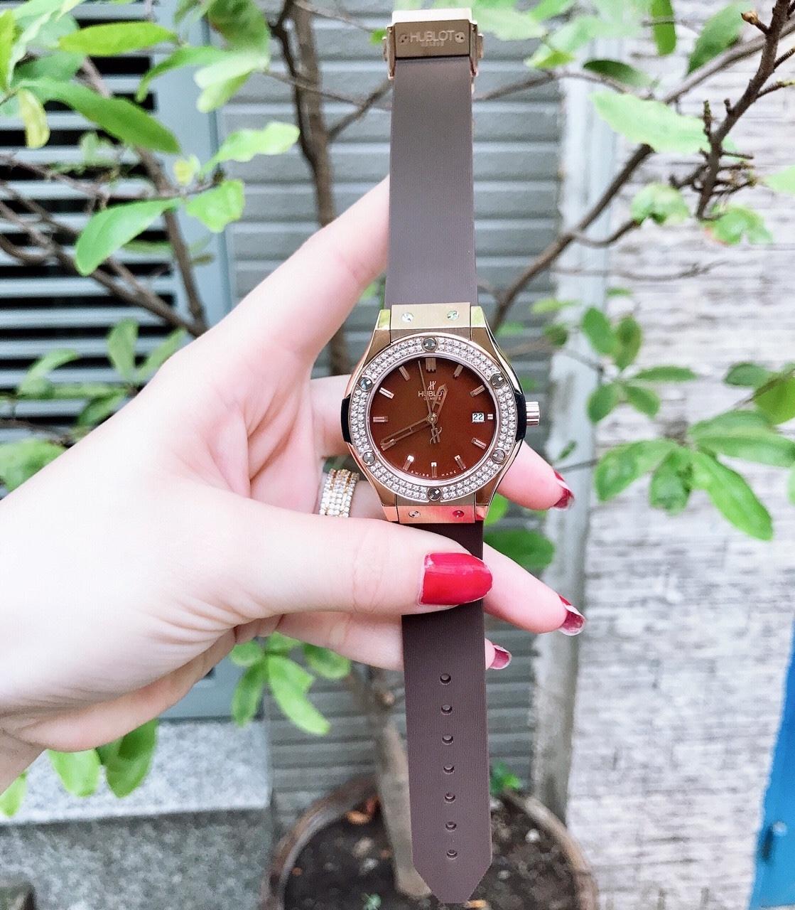 Đồng hồ thời trang Hublot nữ - Bản Nâu