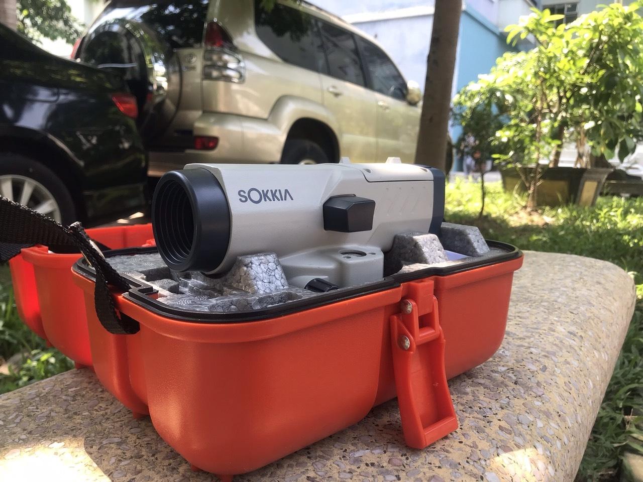 Máy thủy bình Sokkia B40A Tặng đầy đủ chân máy và mia nhôm