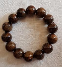 Vòng đeo tay gỗ Thủy Tùng Nu 16li Bóng