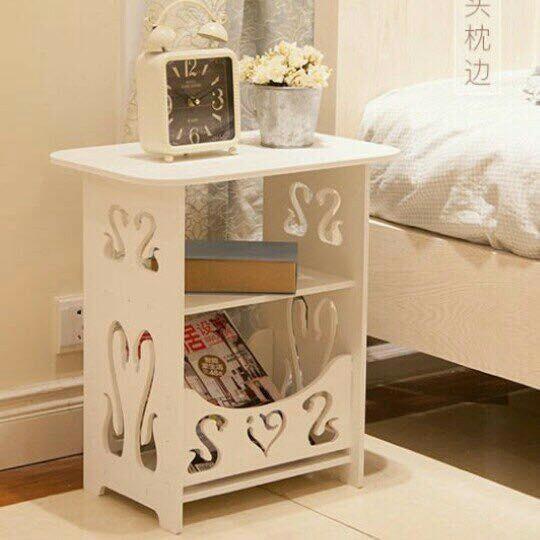 Kệ vuông đầu giường bàn trang điểm thiên nga tặng khăn trải bàn