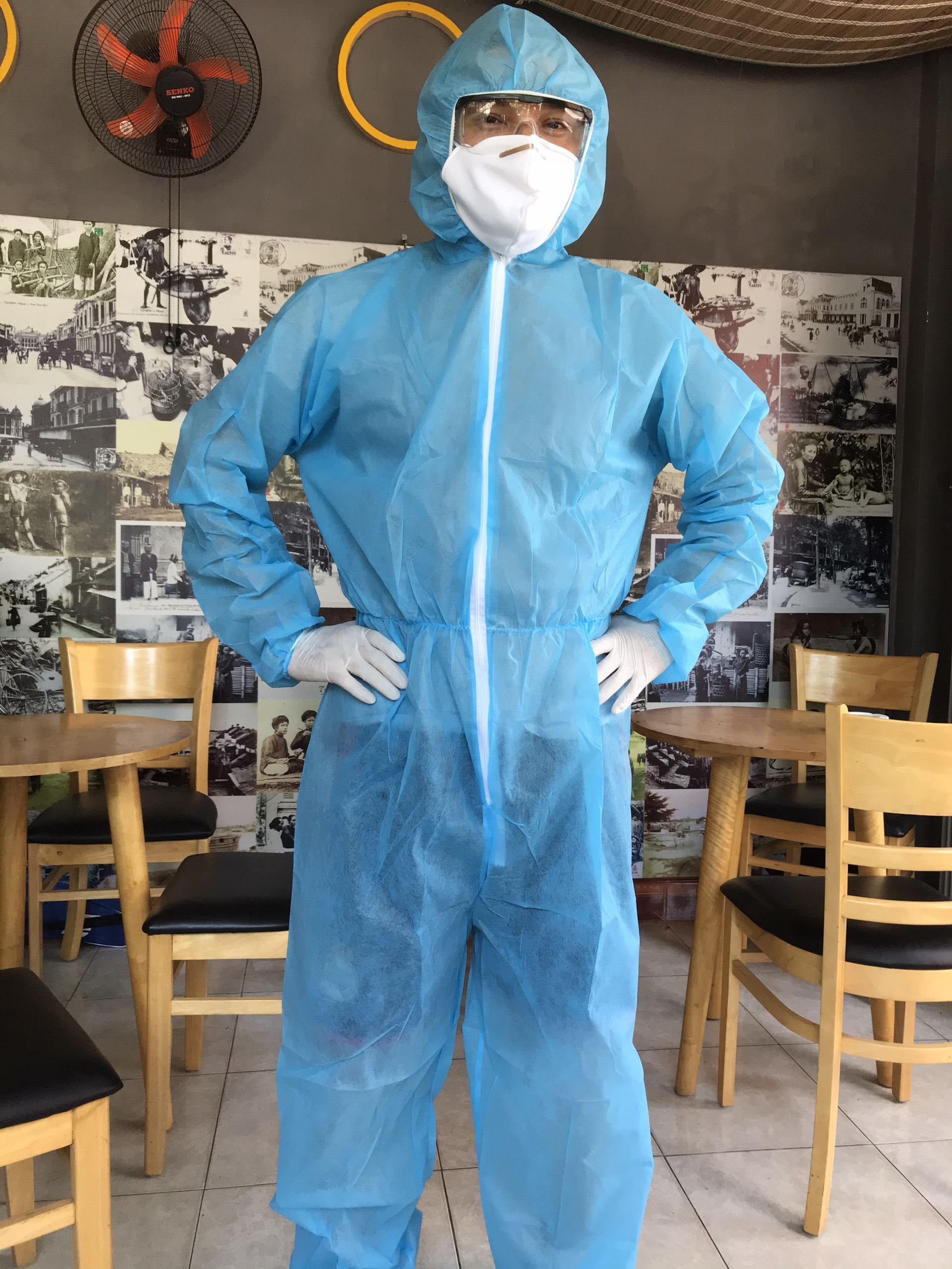 Set đồ kháng khuẩn áo liền quần có nón được làm từ chất liệu vải không