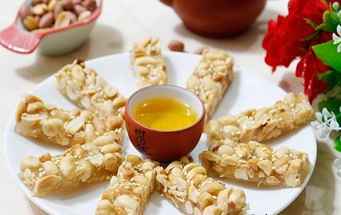 Kẹo lạc truyền thống Hà Nội