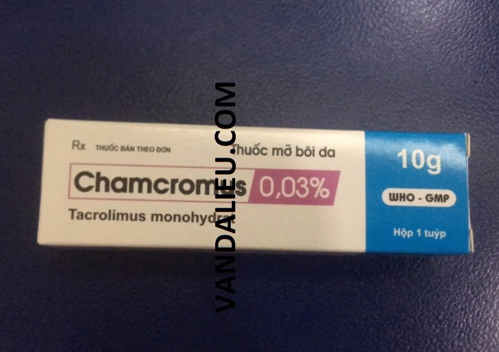 MỠ BÔI DA CHAMCROMUS 0,03% 10G.