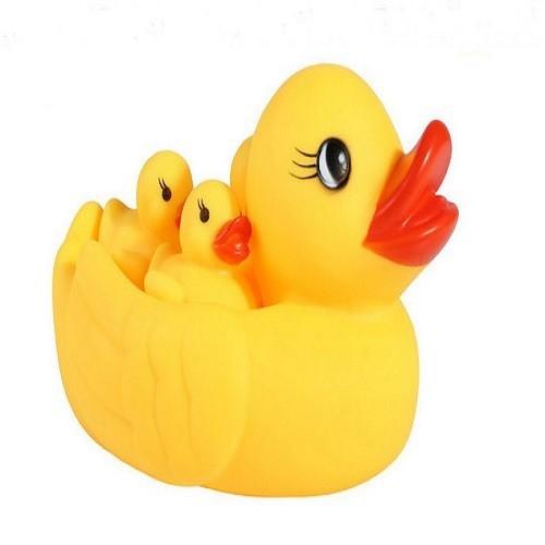 Đồ chơi bồn tắm cho bé vịt 2 mẹ và 6 vịt con