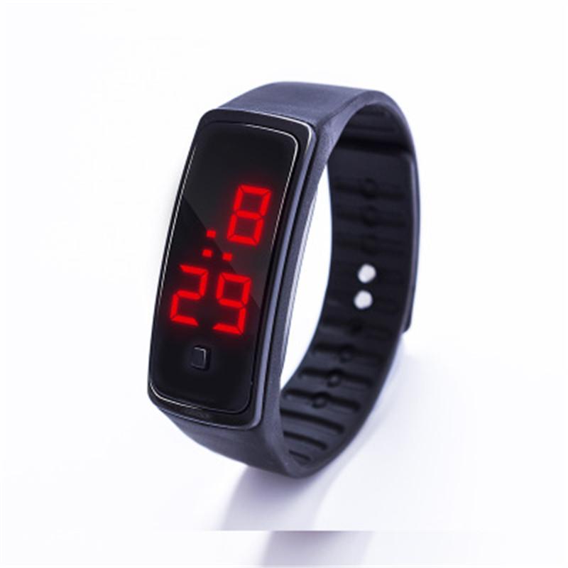 đồng hồ đeo tay LED